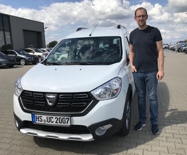 Uebergabe an Kunde Brendt Dacia Dokker Dokker Reimport guenstiger kaufen
