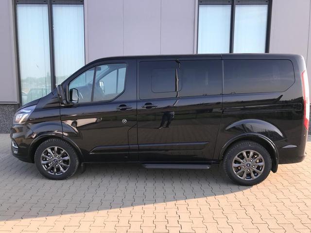 """Vorlauffahrzeug Ford Tourneo Custom - """"Titanium-X"""" (7) L1H1 2.0 TDCi 185PS AUTOMATIK, Schwarz-Metallic, 8-Sitze, Leder, Navi, Xenon, Rückfahrkamera, Parksensoren vorn/hinten, 17"""" Alu, Doppel-Klima, Sitzheizung, Alarmanlage, Privacy Glas, Tempomat, Reserverad, Schiebetüre links/rechts, Frontscheibe beh"""