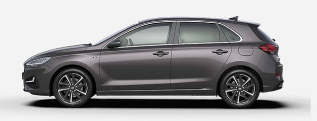 """Vorlauffahrzeug Hyundai i30 - """"Comfort"""" (Select ) (1) 1.0 T-GDI 120PS, Dark Knight (Grau)-Metallic, 15"""" Alufelgen, Klima, Lederlenkrad, Radio 8""""-Touchscreen/DAB/Android-Auto & AppleCarPlay, Parksensoren hinten, Rückfahrkamera, Nebelscheinwerfer, Tempomat, ZV mit Fernbedienung, Alarmanlage"""