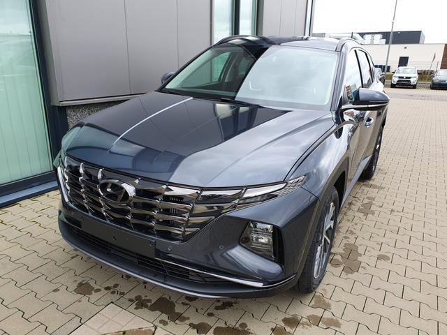 "Hyundai TUCSON - ""Style"" (1) 1.6 T-GDI 150PS 4x2 inkl. KLIMAAUTOM. NAVI/DAB/USB/BT/SOUNDSYSTEM DIG. COCKPIT VOLL-LED-SCHEINW. KEYLESS EL. HECKKLAPPE SITZ-/LENKRADHEIZUNG LADESTATION PRIVACY AMBIENTE LICHTSENSOR ACC PS VO/HI KAMERA ALARM 18""ALU Bestellfahrzeug, konfigurierbar"