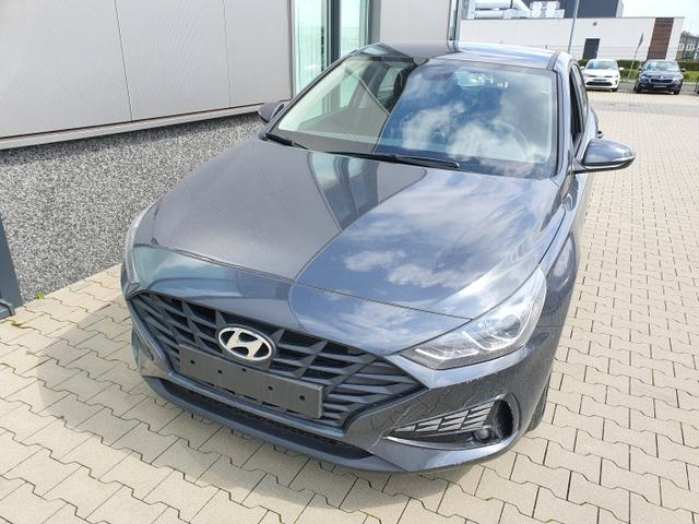 "Hyundai i30 - ""Comfort"" (Select ) (1) 1.0 T-GDI 120PS, Dark Knight (Grau)-Metallic, 15"" Alufelgen, Klima, Lederlenkrad, Radio 8""-Touchscreen/DAB/Android-Auto & AppleCarPlay, Parksensoren hinten, Rückfahrkamera, Nebelscheinwerfer, Tempomat, ZV mit Fernbedienung, Alarmanlage Lagerfahrzeug"