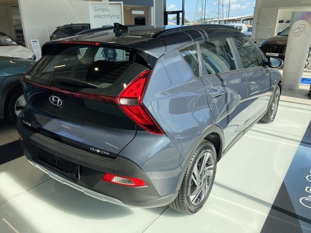 """Hyundai BAYON - """"Comfort"""" (1) 1.2i 84PS inkl. KLIMA TEMPOMAT LICHTSENSOR FERNLICHTASSISTENT SPORTSITZE Bestellfahrzeug, konfigurierbar"""