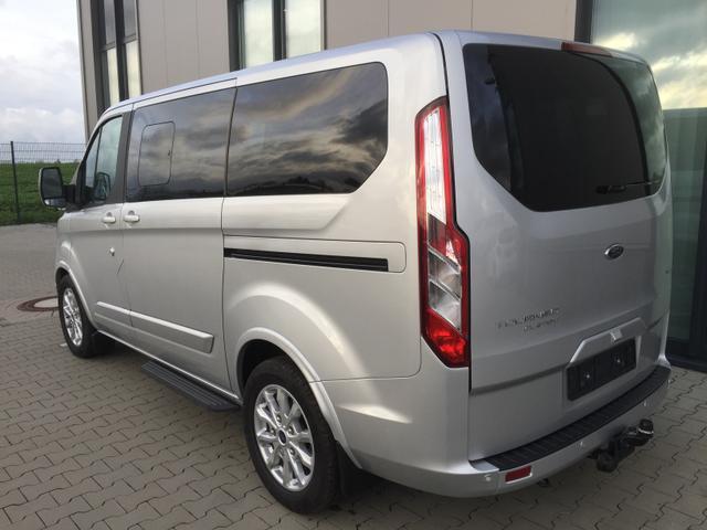 """Ford Tourneo Custom """"Titanium"""" (7) L2H1, 8 Sitzplätze, Alarmanlage, Radio/USB/Bluetooth, Klimaanlage vo/hi, 17"""" Leichtmetallräder, Parksensoren vorne und hinten, Tempomat, Lederlenkrad, Sitzheizung vorne, Frontscheibe beheizbar, Nebelscheinwerfer, Privacy Glas"""