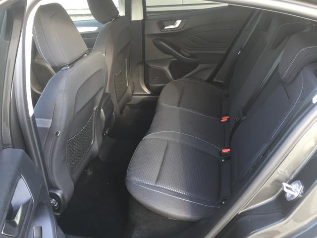 """Ford Focus """"Titanium BUSINESS"""" (6) 3 Jahre Herstellergarantie, Navigationssystem, Pass Connect, Parksensoren vorne und hinten, Reserverad, Klimaautomatik, Key-Free-System, 16-Zoll-Leichtmetallräder, Radio SYNC 3, Tempomat, Nebelscheinwerfer, Außenspiegel elektrisch anklappbar"""