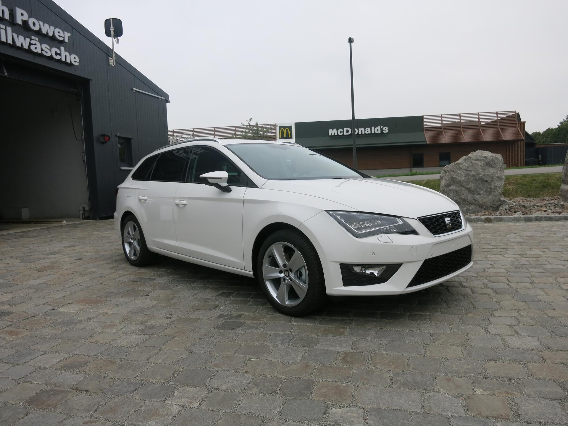 seat leon st fr sitzheizung alu 17 voll led sofort diesel. Black Bedroom Furniture Sets. Home Design Ideas