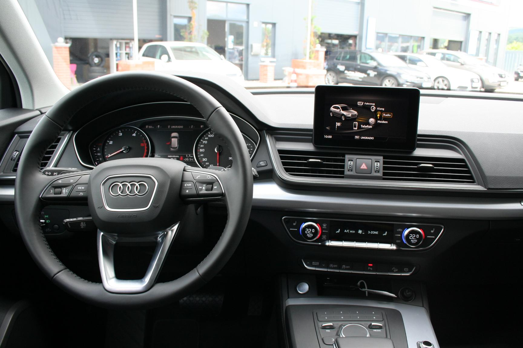 audi q5 neues modell 2 0 tdi 190 ps quattro s tronic 4jahregarantie vollled navi 18 alu sofort. Black Bedroom Furniture Sets. Home Design Ideas
