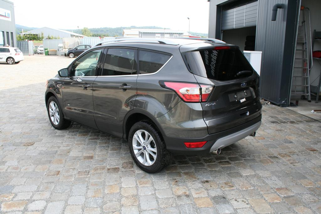 ford kuga 1 5 ecoboost 150 ps fwd titanium navi klimaautomatik mfl shz pdc sofort benzin. Black Bedroom Furniture Sets. Home Design Ideas