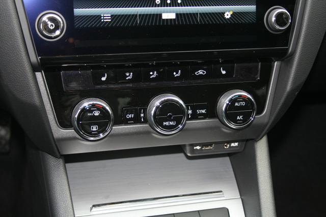 Skoda Octavia Combi 1.4 TSI 150 PS-Climatronic-Navi-Bluetooth-MFL-SHZ-PDC Vu.H-Tempomat-Sofort