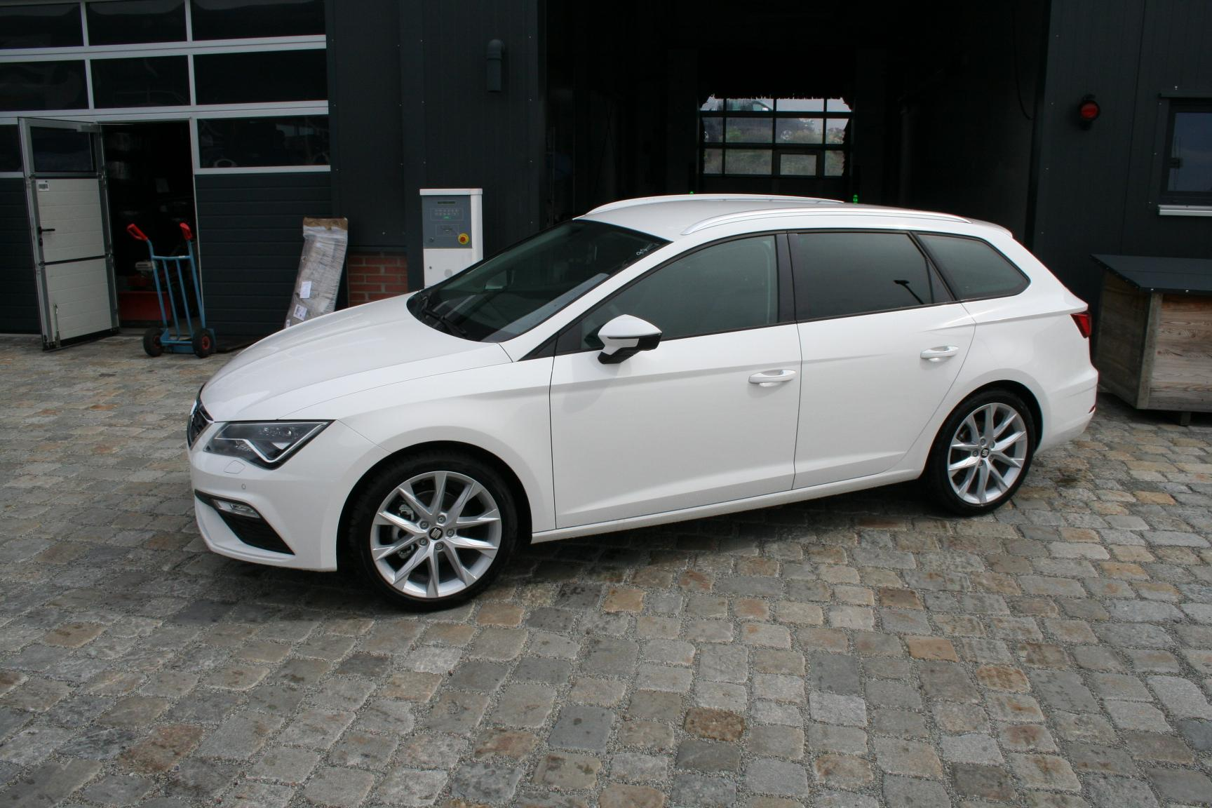 seat leon st facelift 1 4 tsi 125 ps fr climatronic 18. Black Bedroom Furniture Sets. Home Design Ideas