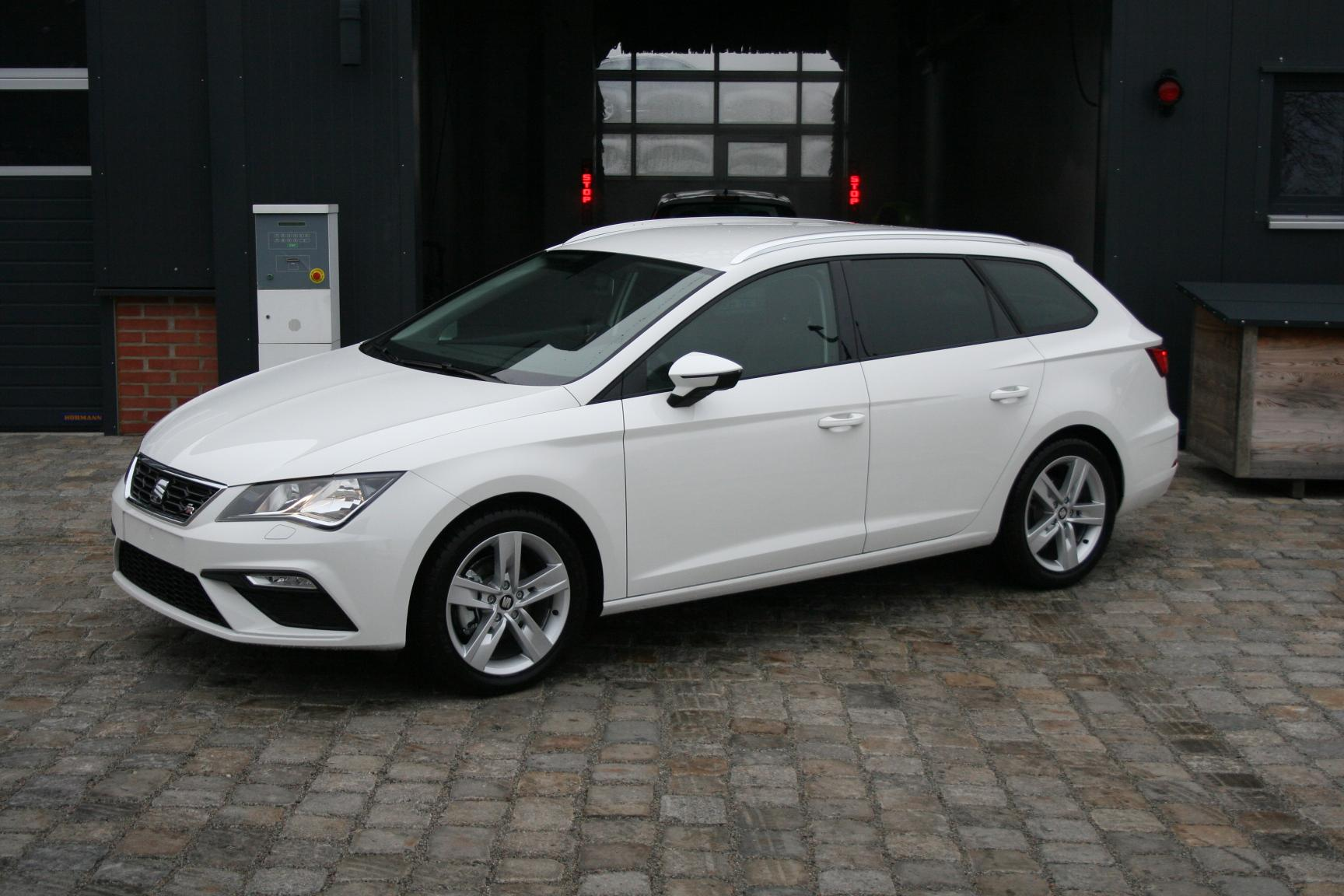 seat leon st facelift 1 4 tsi 125 ps fr climatronic mfl shzg top sofort benzin candy weiss. Black Bedroom Furniture Sets. Home Design Ideas