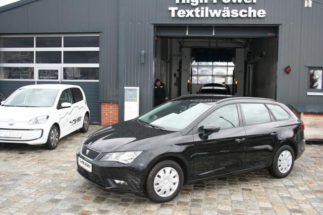 Seat Leon ST - 1.2 TSI 110 PS-Climatronic-MultiLenkrad-Radio Touch Colour-TOP ANGEBOT Sofort