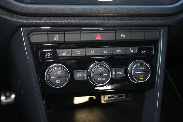 Volkswagen T-Roc 2.0 TDI 150 PS DSG 4x4 Edition-LED Scheinwerfer-Navi-Panoramadach-TOP Vorführwagen