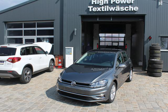 Volkswagen Golf - 1.4 TSI 125 PS Business-Climatronic-Front Assistent-PDC Vu.H-Bluetooth-MFL-SHZG-TOP Sofort