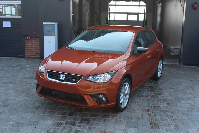 Seat Ibiza - Neues Modell-1.0 TSI 95 PS-FR-Front Assist-PDC-Klima-MFL-Winterpaket-TOP AKTION