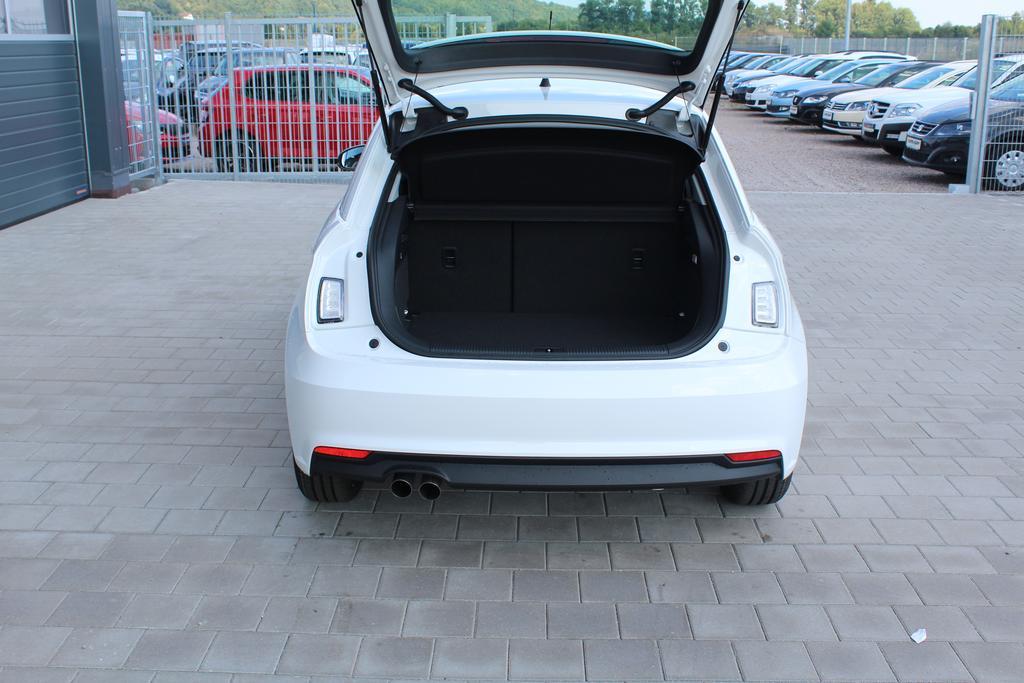 autos eu neuwagen audi a1 sportback 1 4 tfsi 125 ps garantie 4 jahre klima. Black Bedroom Furniture Sets. Home Design Ideas