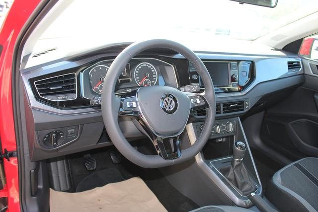 Volkswagen Polo 1.0 TSI 95 PS Highline-Navi-Klima-Bluetooth-Frontassistent-MFL-SHZG-TOP AKTION Sofort