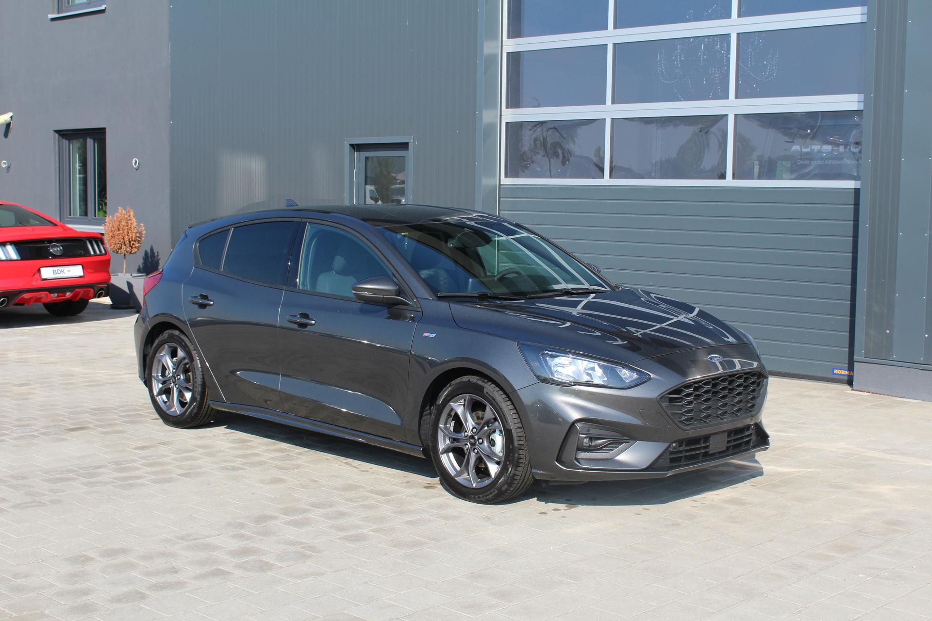 Ford Focus Neuer St Line 10 Ecoboost 125 Ps 5 Jahre Garantie Navi