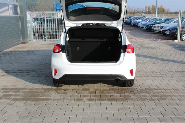 53a93c0abd23fc Ford Focus 1.0 EcoBoost 100 PS-Navi-Winterpaket-PDC-Tempomat + Limiter- Bluetooth-Radio USB-TOP Aktion Sofort   EU-Neuwagen   Reimporte   Autohaus  Kleinfeld ...