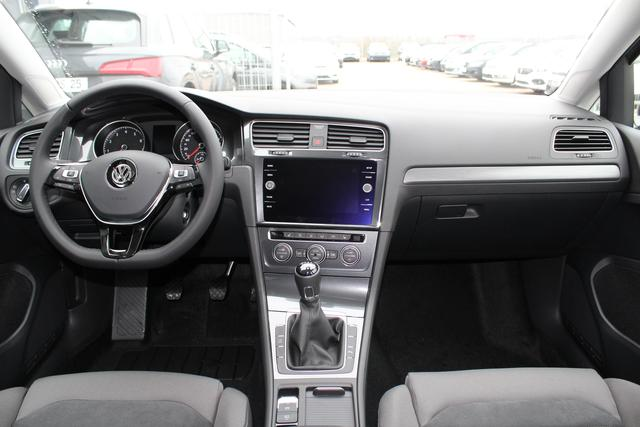 Volkswagen Golf 1.5 TSI BlueMotion 130 PS Maraton Edition-LED-5 Jahre Garantie-SHZG-MFL-PDC V+H-Bluetooth-TOP Sofort
