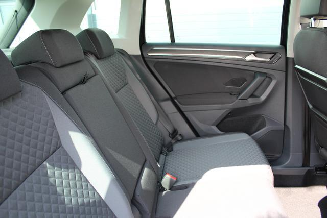 Volkswagen Tiguan 1.4 TSI 125 PS LED Scheinwerfer-Navi-Climatronic 3 Zonen-Front Assistent-Fernlichtassistent-PDC Vu.H- Sofort