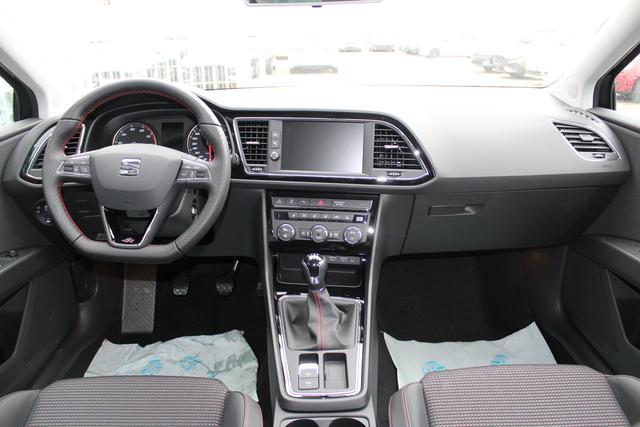 Seat Leon Sportstourer ST 1.5 TSI 130 PS FR-4 Jahre Garantie-LED Scheinwerfer-Navi-Climatronic-Rückfahrkamera-Winterpaket-TOP Sofort