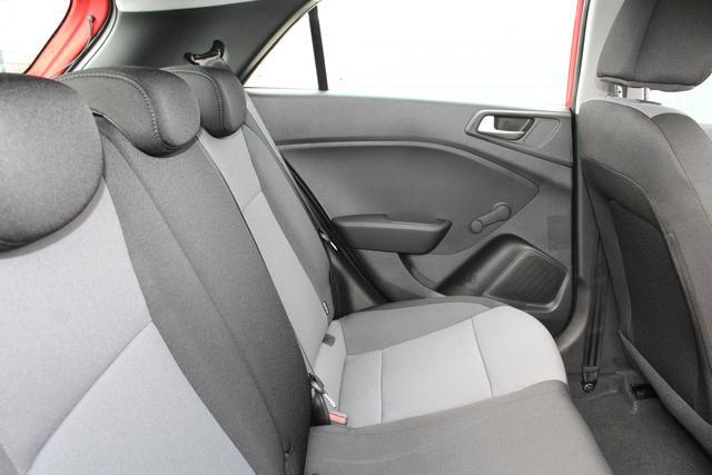 Hyundai i20 Facelift!! 1.2i 75 PS GO-Klimaanlage-MFL-Bluetooth-Berganfahrhilfe-Alu-TOP Aktion Sofort