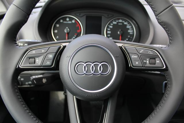 Audi A3 Sportback Neues Modell !! 30 TFSI 116 PS S-tronic-4 Jahre Garantie-Bi Xenon-Climatronic-PDC-MFL-SHZG-TOP Aktion Sofort BFY