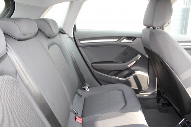 Audi A3 Sportback 30 TFSI 116 PS S-tronic-4 Jahre Garantie-Bi Xenon-Climatronic-PDC-MFL-SHZG-Sofort