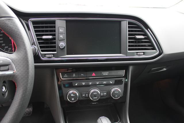 Seat Leon 2.0 TDI 184 PS DSG FR-LED Scheinwerfer-Navi-Climatronic-Mirror Link-Rückfahrkamera-TOP Sofort
