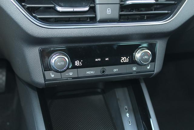 Skoda Scala 1.0 TSI 116 PS Style-5 Jahre Garantie-LED Scheinwerfer-Front Assistent-Rückfahrkamera-Winterpaket-Aktion Sofort