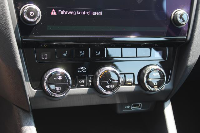 Skoda Octavia Combi 1.5 TSI 150 PS Style-5 Jahre Garantie-Climatronic-Navi-Voll LED-Frontassistent-MFL- SHZG-PDC-TOP AKTION Sofort