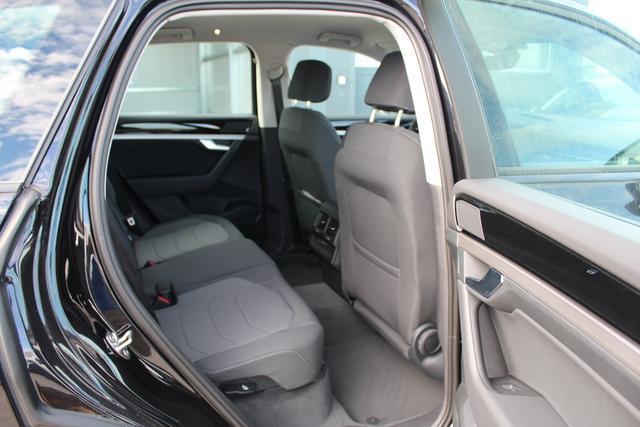 Volkswagen Touareg 3.0 TDI 286 PS 4x4 Automatik-el.Heckklappe-2xPDC-AHK-LED-Navi-Sofort