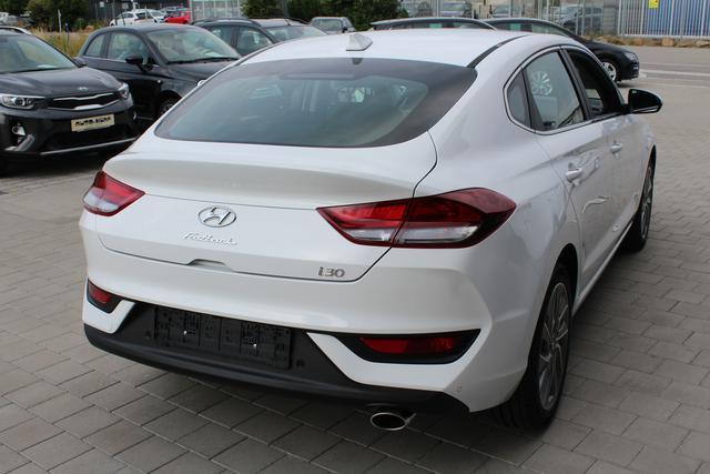 Hyundai i30 - Fastback Komfort 1.4 T-GDI 140 PS-Rückfahrkamera-PDC-Spurhalteassistent-Klima-Tempomat