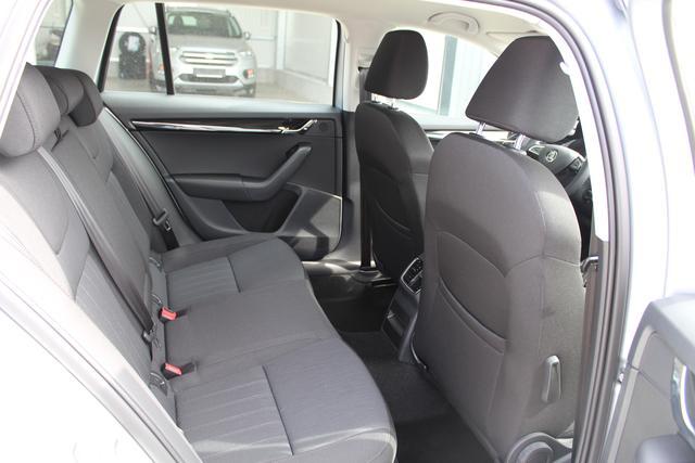 "Skoda Octavia Combi Style 2.0 TSI 190 PS DSG-Navi-VollLED-17""Alu-2xPDC-SHZ-Sofort"