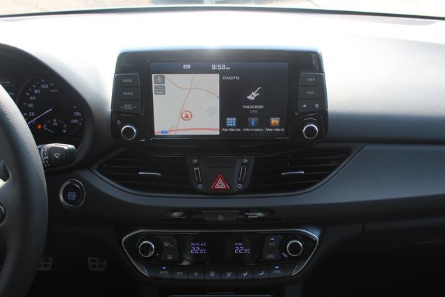 Hyundai i30 Fastback N-Line Performance Pack 1.4 T-GDI 140 PS-Navi-LED-Rückfahrkamera-Tempomat-Spurhalte- Sofort