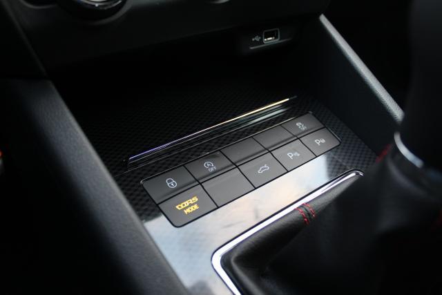 Skoda Octavia Combi RS 2.0 TSI 245 PS-4JahreGarantie-Navi-VollLED-el.Heckklappe-2xPDC-ACC-Sofort