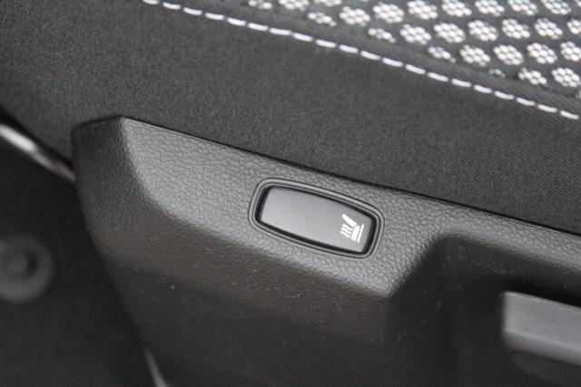 Vorlauffahrzeug Dacia Duster - Comfort 1.5 DCi 115 PS 4x4-Sitzheizung-Klima