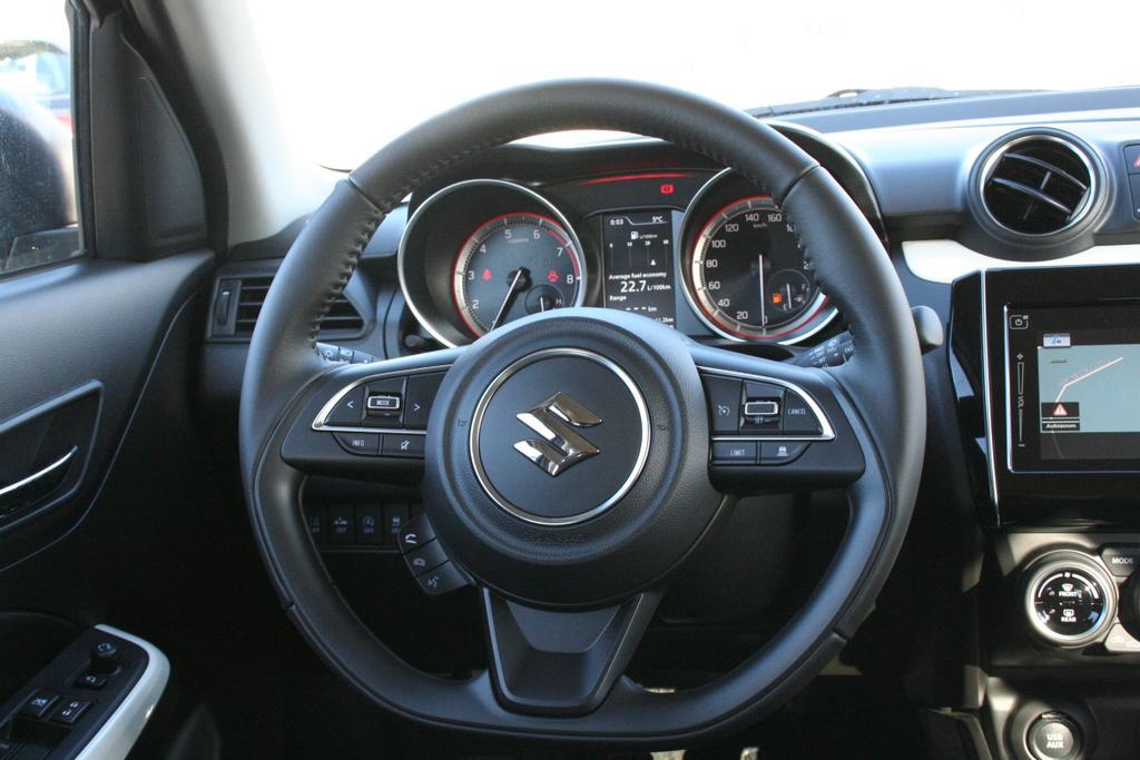 suzuki swift 1 2 hybrid 4x4 90 ps navi led kamera shz acc klimaauto sofort autohaus kurz. Black Bedroom Furniture Sets. Home Design Ideas