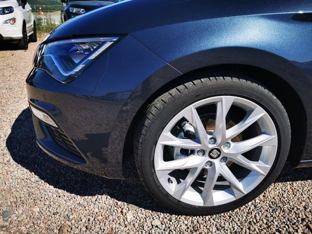 Seat Leon Sportstourer ST - FR 2.0 TDI 150 PS DSG 4Drive-FullLink-VollLED-Kamera-2xPDC-Tempomat-SHZ-Sofort Lagerfahrzeug