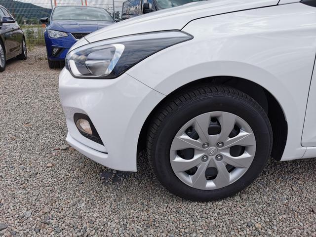 Lagerfahrzeug Hyundai i20 - Comfort Club 1.2 75 PS-MuFu-Berganfahrhilfe-Klima-RadioMp3-Sofort
