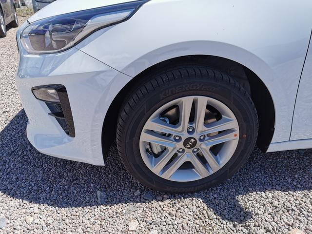 Kia Ceed Sportswagon - TOP 1.4 T-GDI 140 PS-Navi-Rückfahrkamera-SHZ-Klimaauto-Tempomat-VollLED-Sofort Vorlauffahrzeug