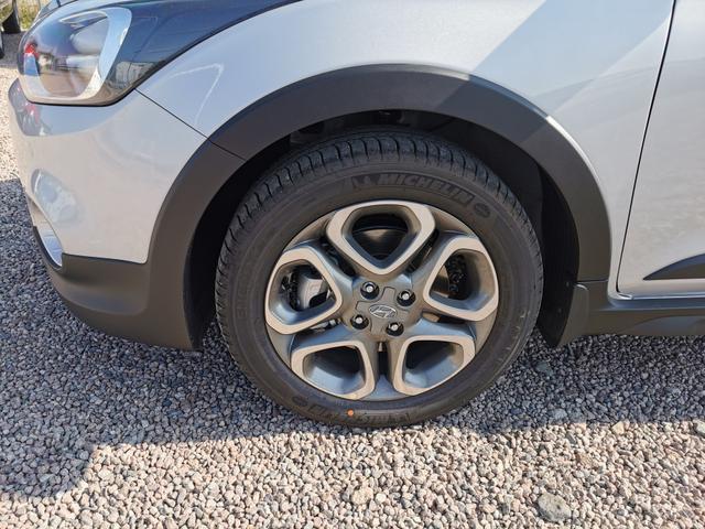 "Lagerfahrzeug Hyundai i20 - Active Black 1.0 T-GDI 100 PS DCT-AndroidAuto-AppleCarPlay-Rückfahrkamera-SHZ-16""Alu-Sofort"