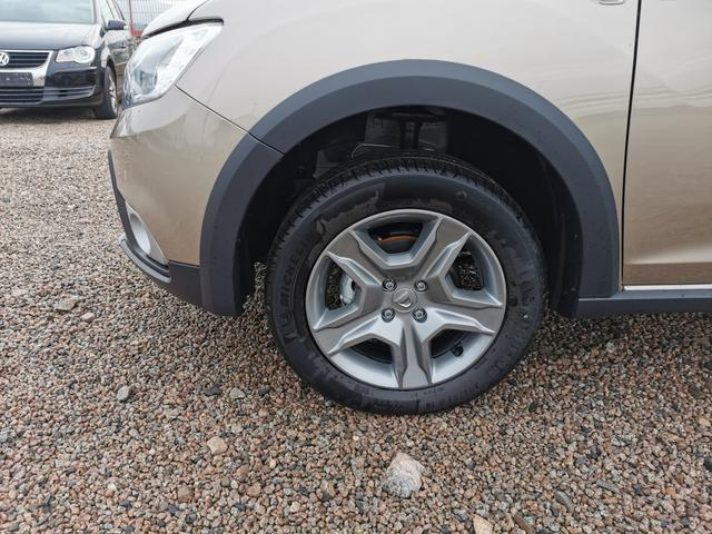 Dacia Sandero - Stepway 100 TCe ECO-G PS-Navi-Klima-Tempomat-AndoridAuto-AppleCarPlay-Sofort Vorlauffahrzeug