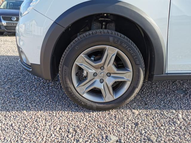 Dacia Sandero - Stepway 100 TCe ECO-G PS-RadioMp3-Klima-Tempomat-DAB-PDC-Sofort Vorlauffahrzeug