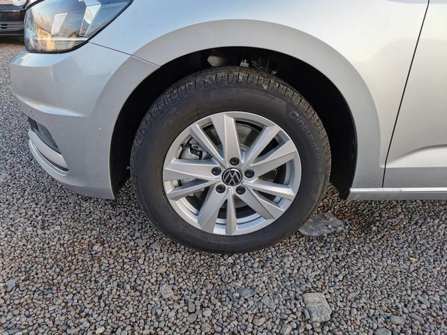 Volkswagen Touran - Highline 1.5 EVO TSI 150 PS DSG-7Sitze-AHK-Navi-SHZ-Climatronic-ACC-Sofort