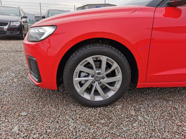 Audi A1 Sportback - Advanced 30 TFSI 116 PS S-Tronic-4JahreGarantie-Rückfahrkamera-SHZ-Tempomat-VollLED-SLineInterieur-Sofort