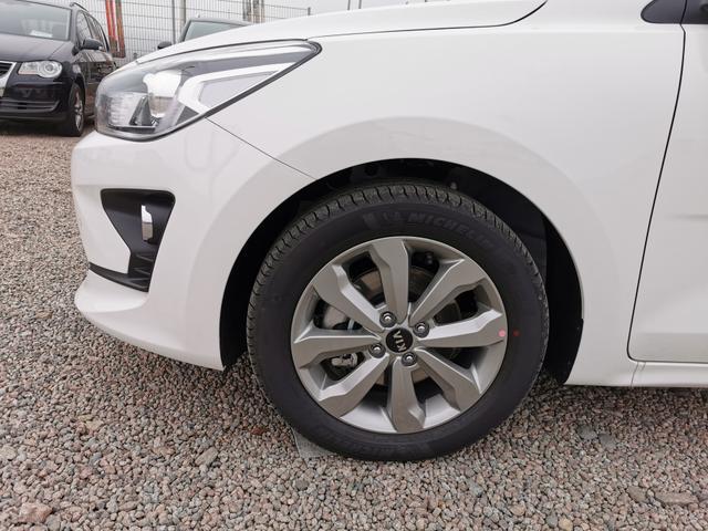 Kia Rio - Exclusive 1.0 T-GDI 100 PS-Navi-SHZ-Tempomat-Klimaauto-Kamera-2xPDC-VollLED-Sofort