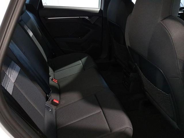 Audi / A3 Sportback / Weiß / / /