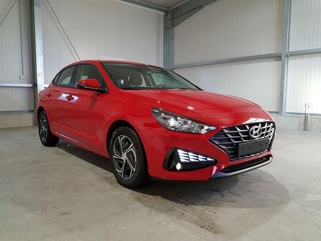 Hyundai / i30 / Rot /  /  /