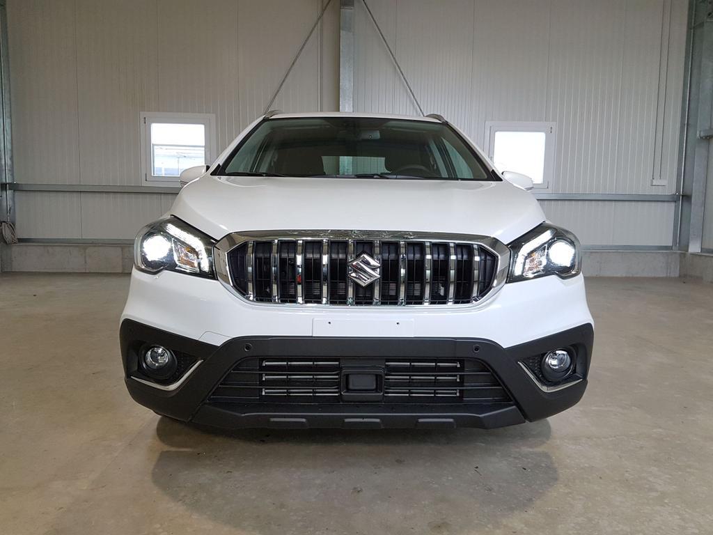 Suzuki / SX4 S-Cross / Weiß /  /  /